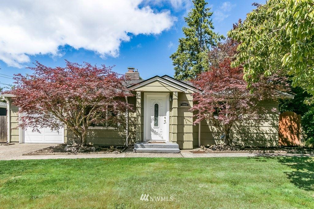 Photo of 10015 35th Avenue SW, Seattle, WA 98146 (MLS # 1787997)