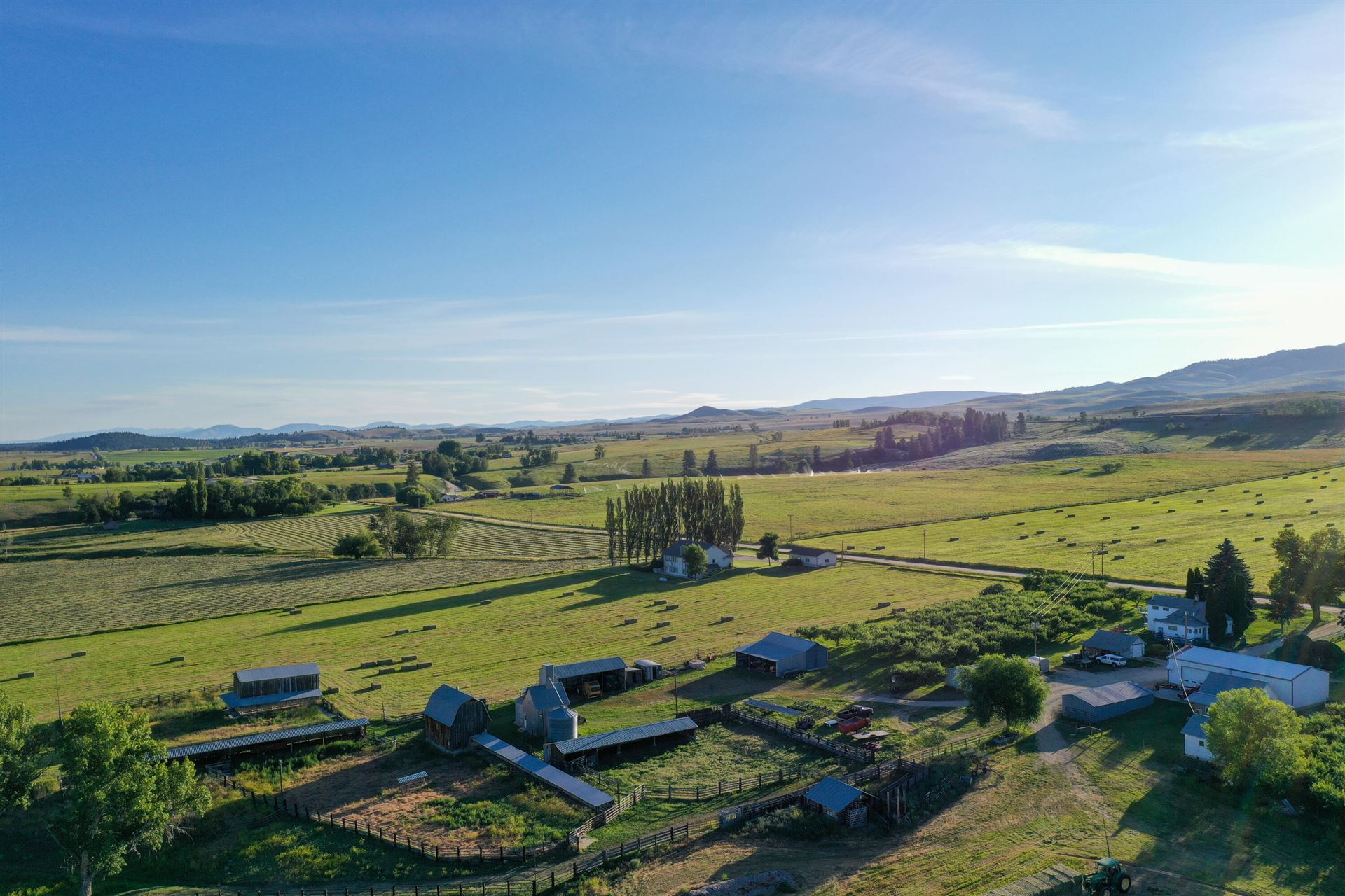 Photo of 1752 Mountain View Orchard Road, Corvallis, MT 59828 (MLS # 22110005)