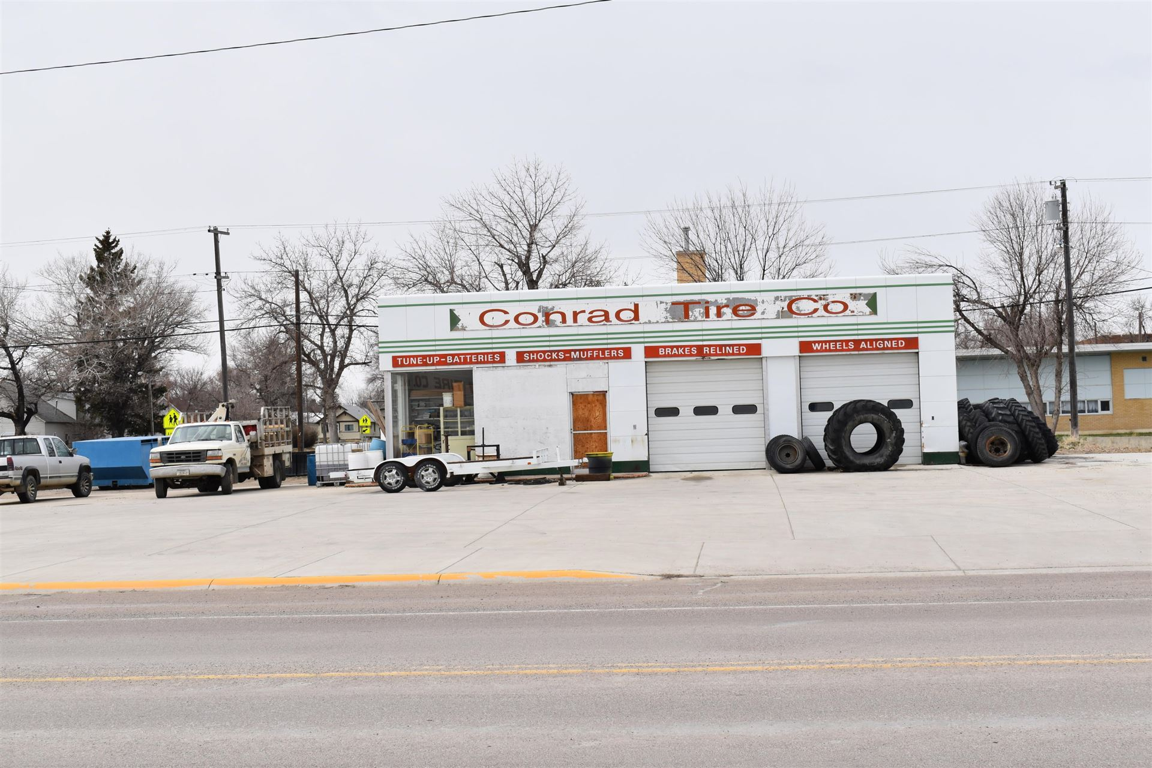 Photo of 216 South Main Street, Conrad, MT 59425 (MLS # 22105040)