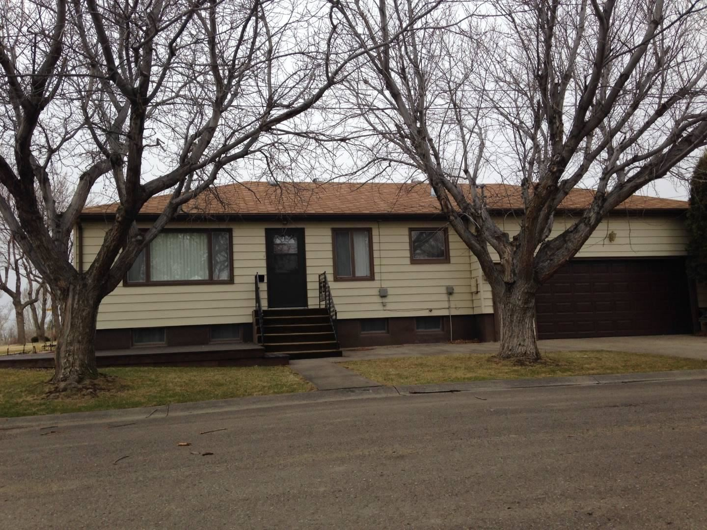 Photo of 415 Jimmy Avenue, Shelby, MT 59474 (MLS # 22002062)