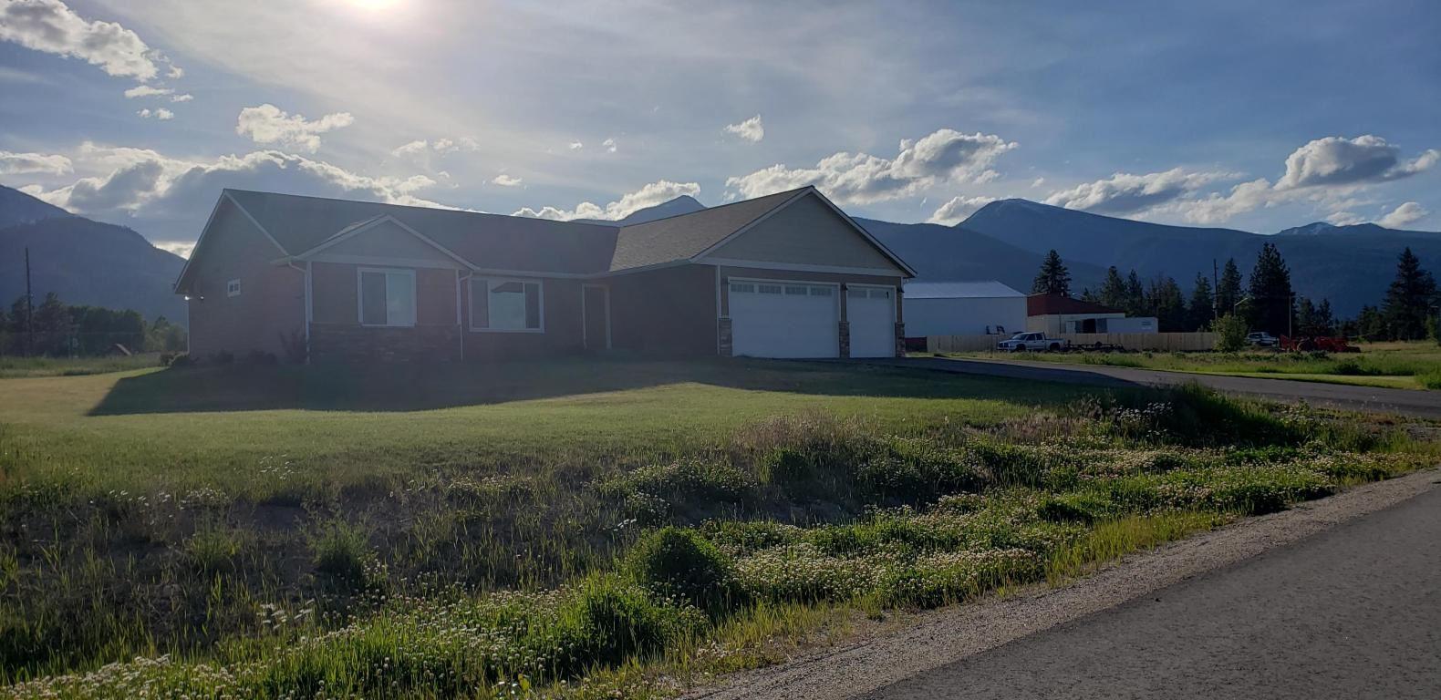 Photo of 3975 Peak View Drive, Stevensville, MT 59870 (MLS # 22008376)