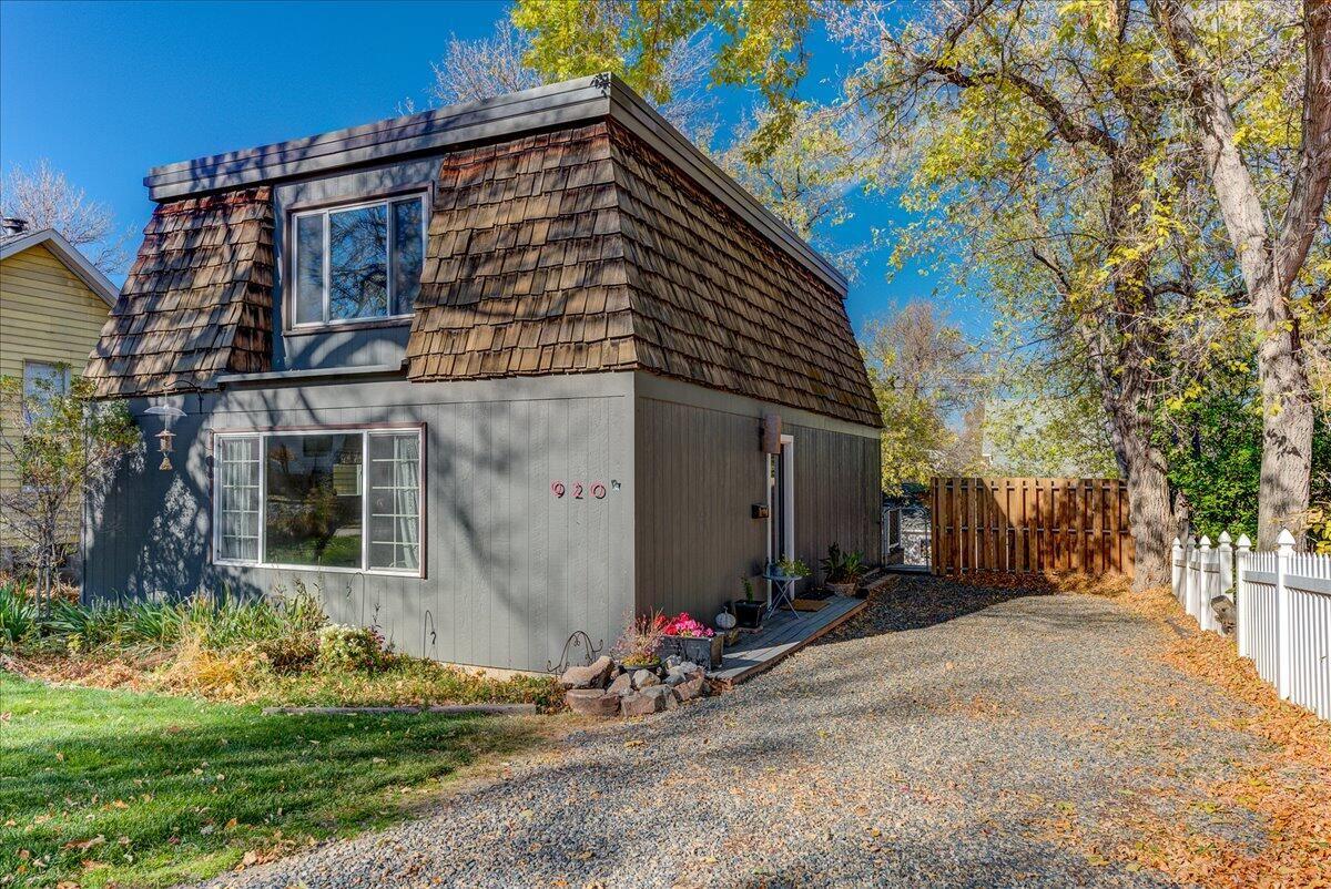 Photo of 920 Breckenridge Street, Helena, MT 59601 (MLS # 22116449)