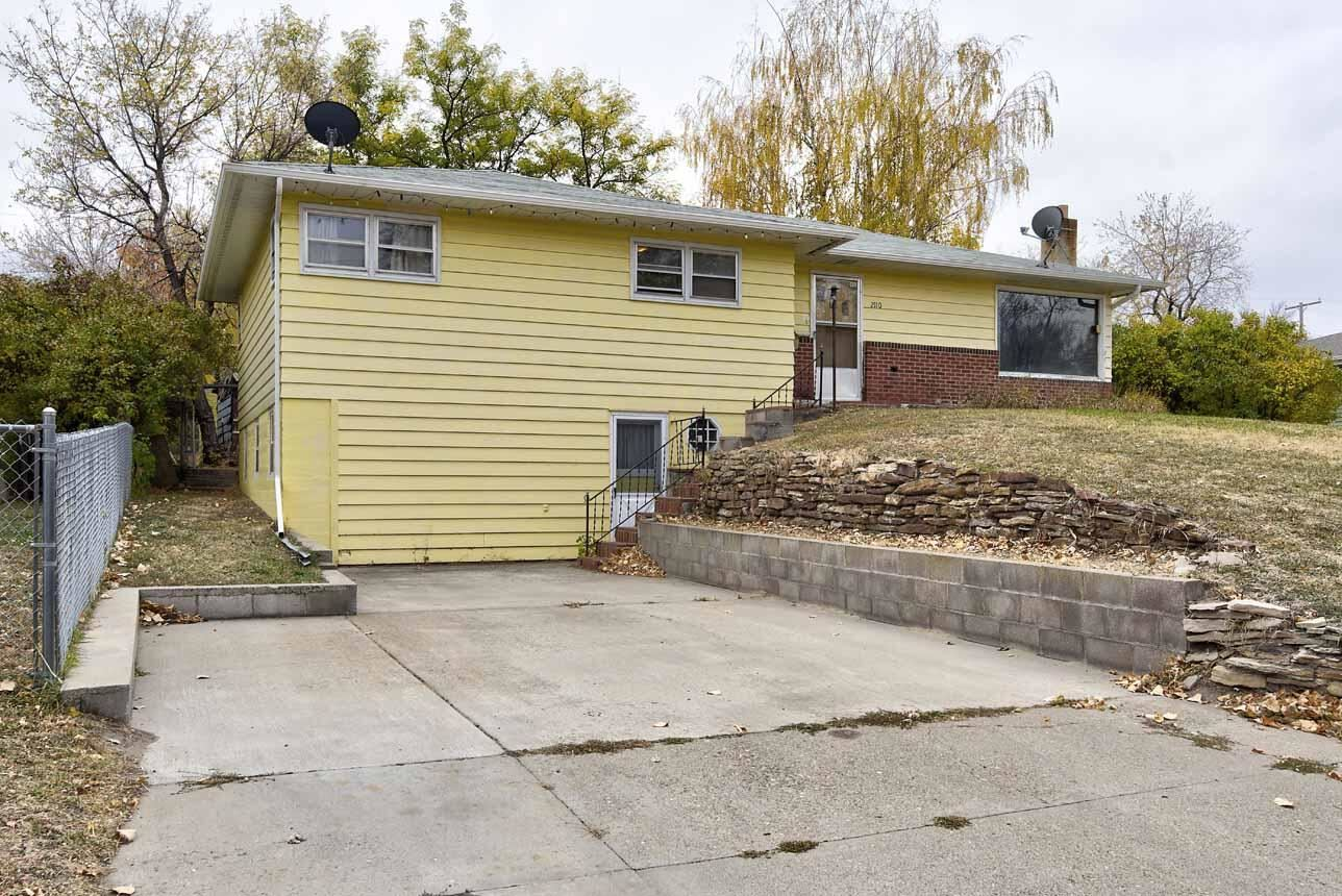 Photo of 2110 7th Avenue South, Great Falls, MT 59405 (MLS # 22116474)