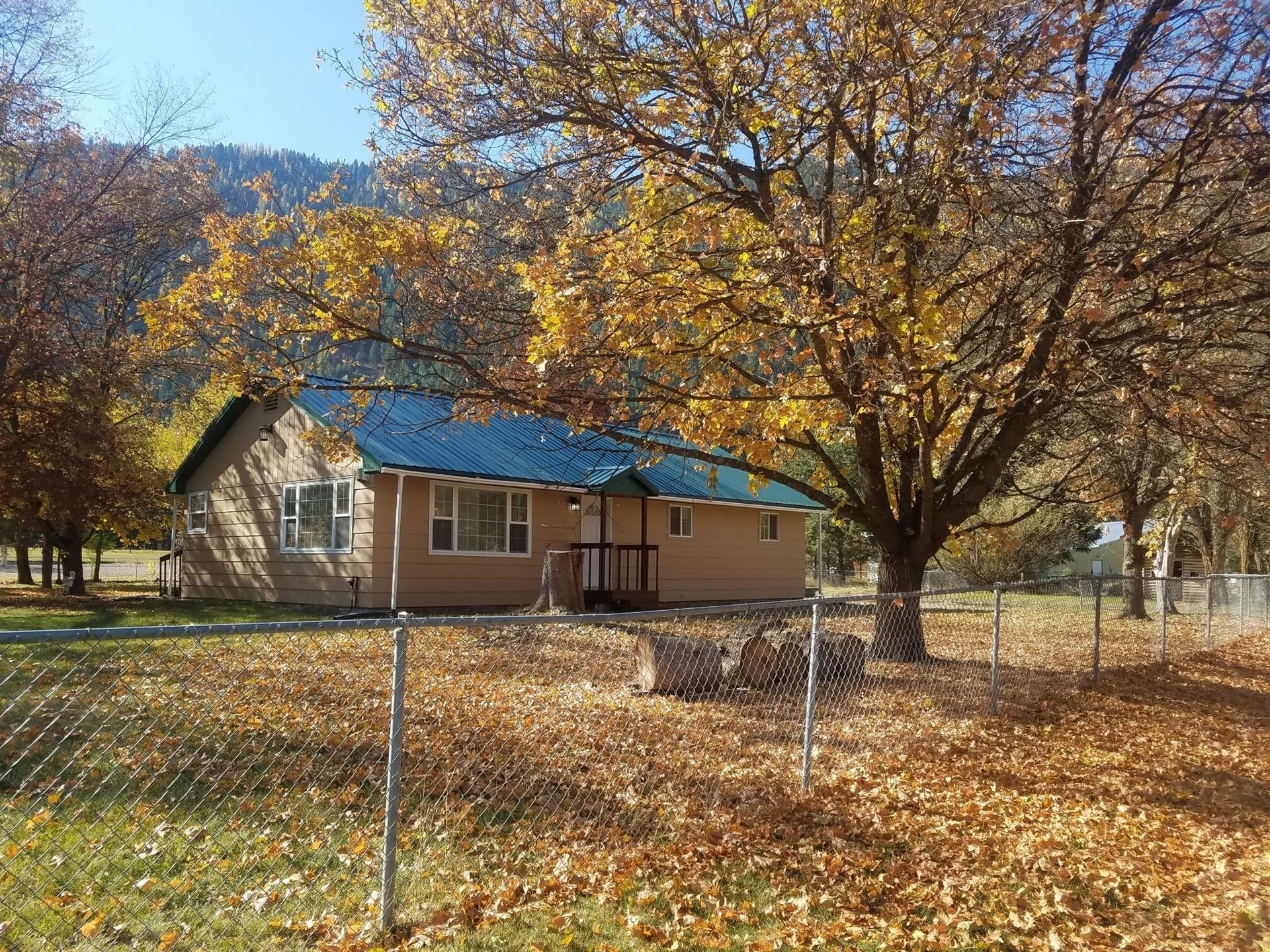 Photo of 312 Country Lane, Superior, MT 59872 (MLS # 22116477)