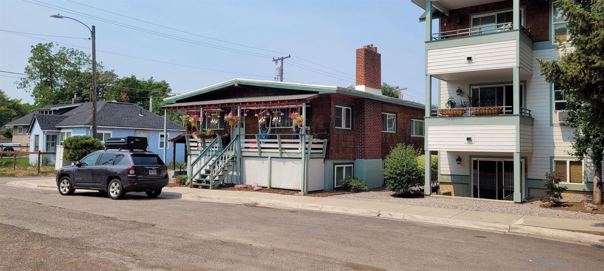 Photo of 1231 Kennett Avenue, Missoula, MT 59802 (MLS # 22111666)