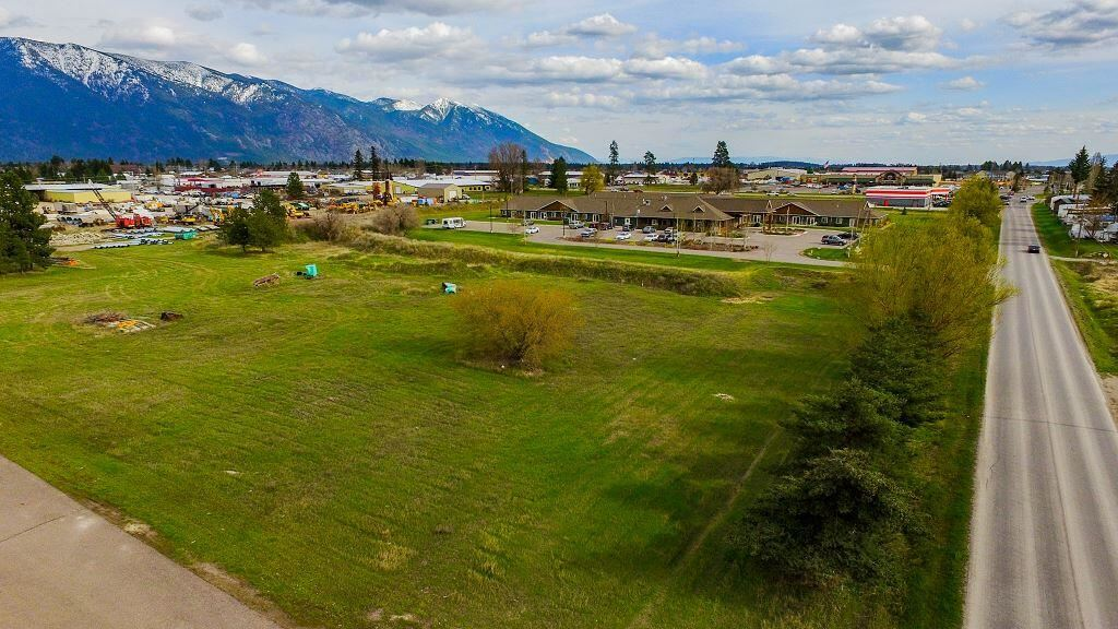 Photo for 1947 9th Street West, Columbia Falls, MT 59912 (MLS # 22114666)