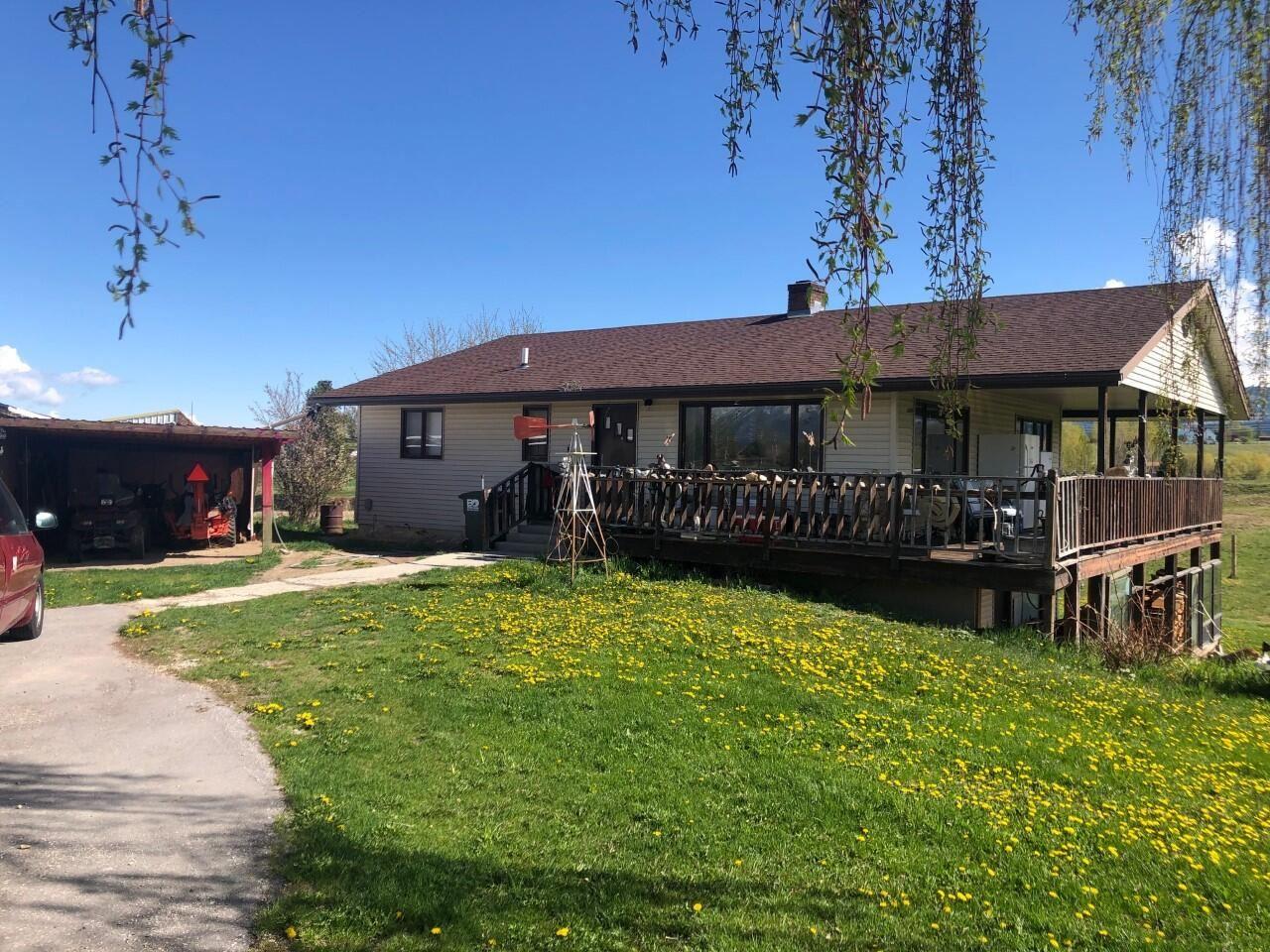 Photo for 402 Wilcox Lane, Corvallis, MT 59828 (MLS # 22108729)