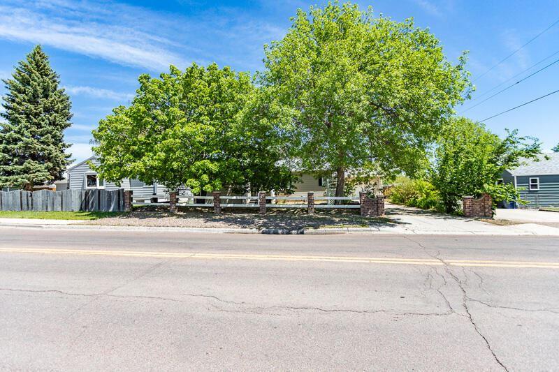 Photo of 511 9th Street North West, Great Falls, MT 59404 (MLS # 22108862)