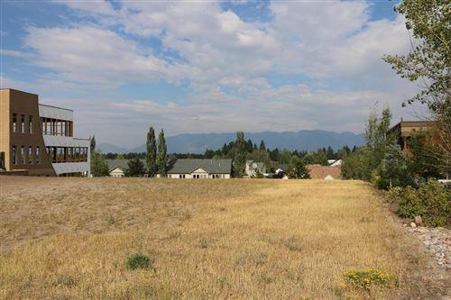 Photo of 155 Commons Loop, Kalispell, MT 59901 (MLS # 22016916)