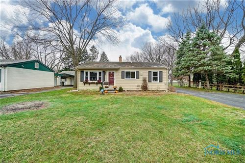 Photo of 2 Orchard Drive, Waterville, OH 43566 (MLS # 6077162)
