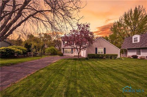 Photo of 760 Oak Knoll Drive, Perrysburg, OH 43551 (MLS # 6070245)