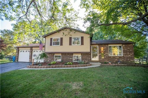 Photo of 828 Colonial Court, Waterville, OH 43566 (MLS # 6077430)