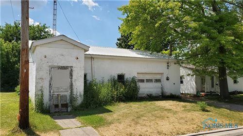 Photo of 433 Cedar Street, Wauseon, OH 43567 (MLS # 6055657)