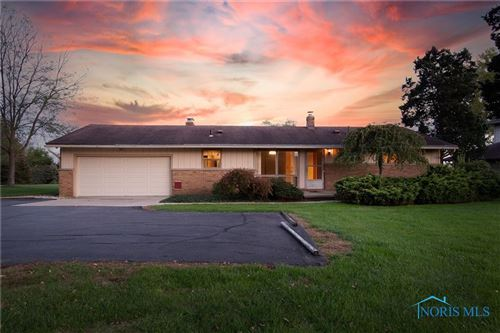 Photo of 6437 Hilltop Lane, Maumee, OH 43537 (MLS # 6078697)