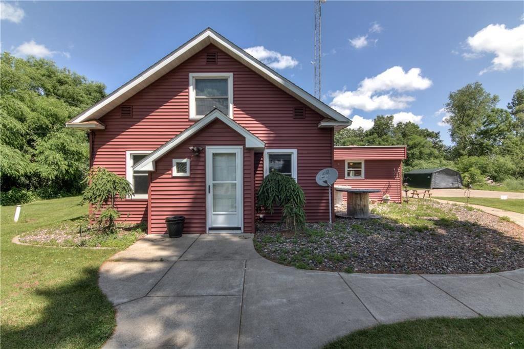 Photo of 648 W Garden Street, Chippewa Falls, WI 54729 (MLS # 1544032)