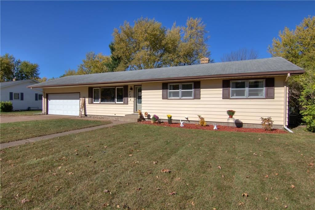 Photo of 3224 Gary Lane, Eau Claire, WI 54703 (MLS # 1548335)