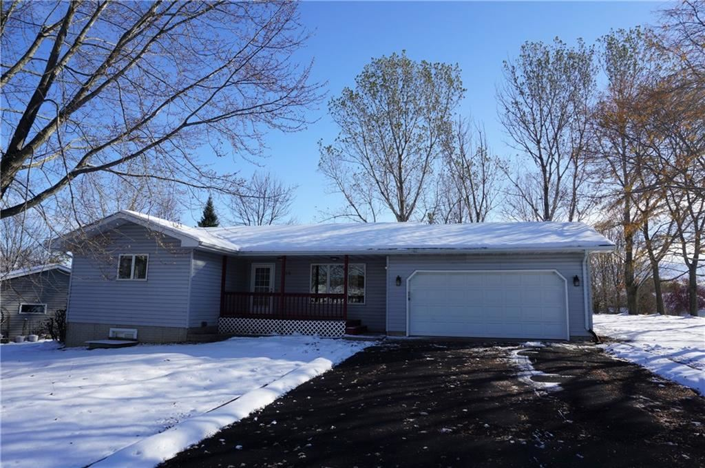 Photo of 230 N Bourbon Circle, Ellsworth, WI 54011 (MLS # 1548401)
