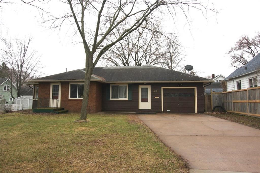 Photo of 1215 Hawthorne Street, Eau Claire, WI 54703 (MLS # 1540846)