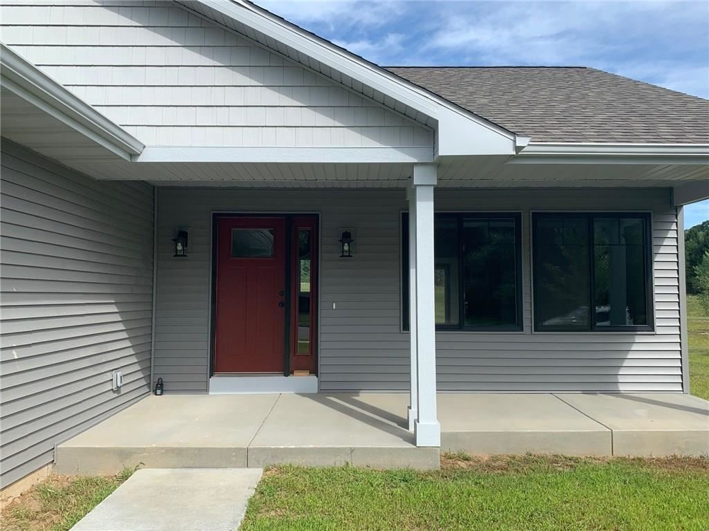 Photo of 2261 Gooder Street, Eau Claire, WI 54703 (MLS # 1540896)