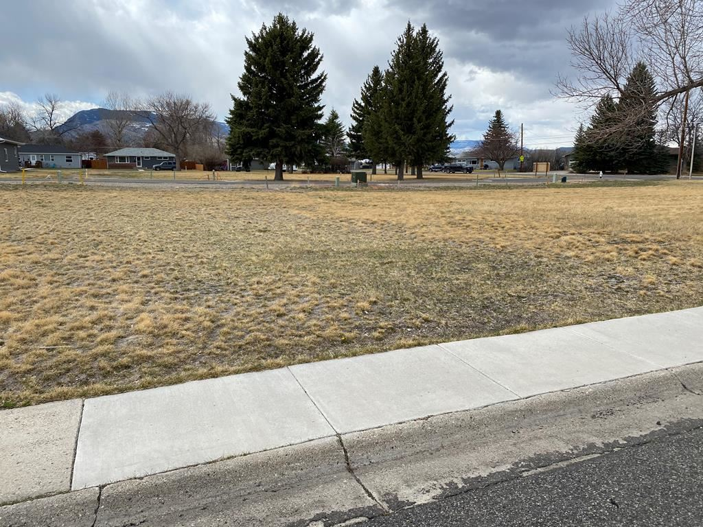 Photo of 1413 22nd St #Lot 18A, Cody, WY 82414 (MLS # 10017269)