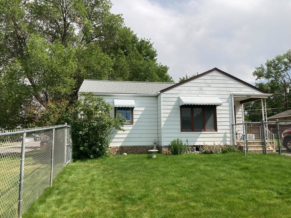 Photo of 1600 20th St, Cody, WY 82414 (MLS # 10017271)