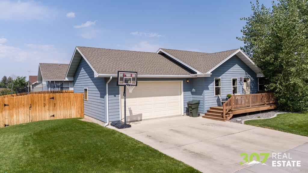 Photo of 2137 Pioneer Ave, Cody, WY 82414 (MLS # 10017290)