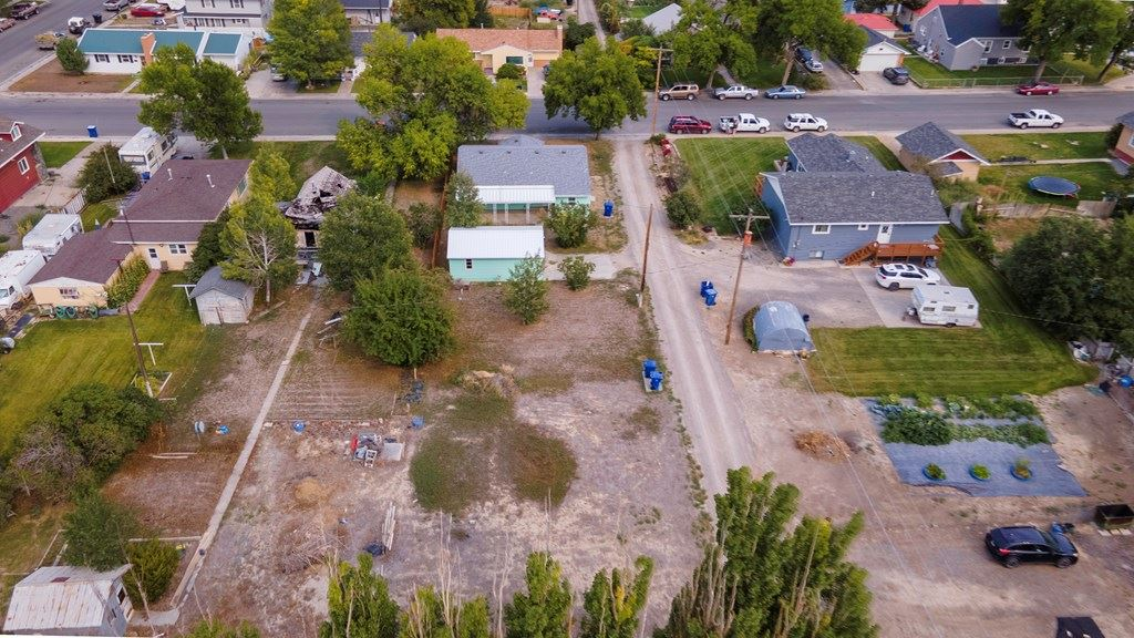 Photo of 334 Kansas Ave, Lovell, WY 82431 (MLS # 10017322)