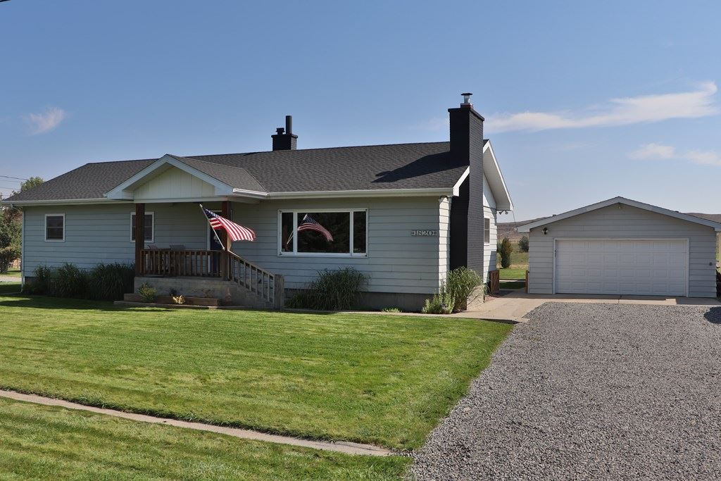 Photo of 1820 29th St, Cody, WY 82414 (MLS # 10017360)