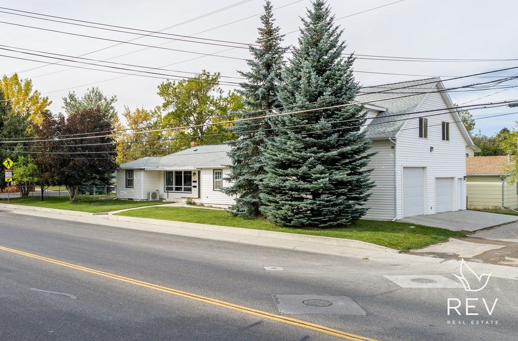 Photo of 825 19th St, Cody, WY 82414 (MLS # 10017410)