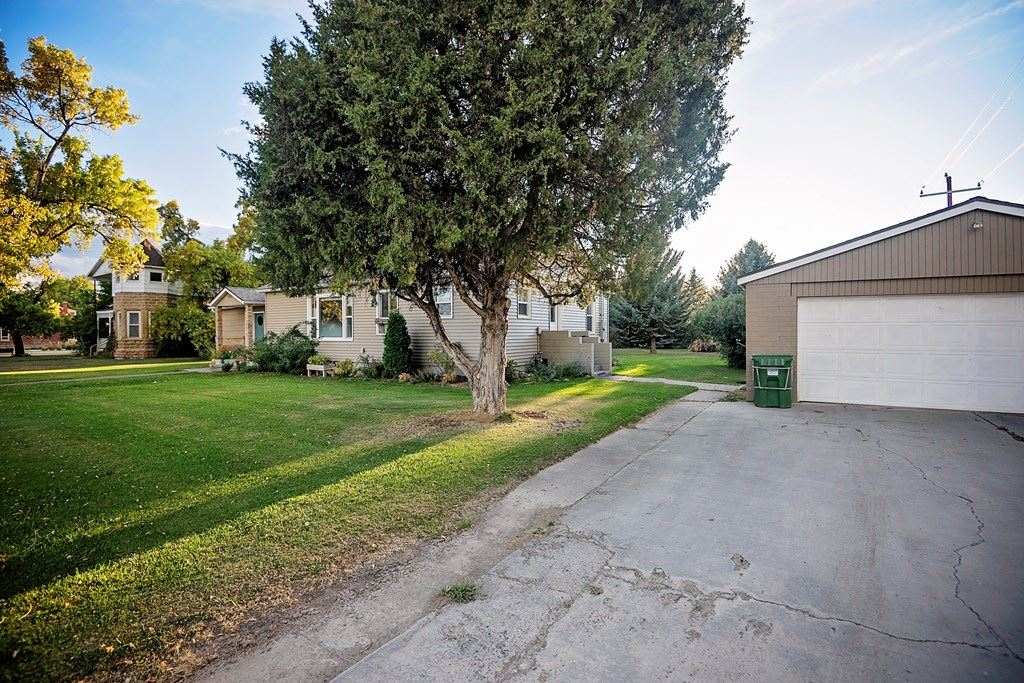 Photo of 30 N Division St, Cowley, WY 82420 (MLS # 10017414)