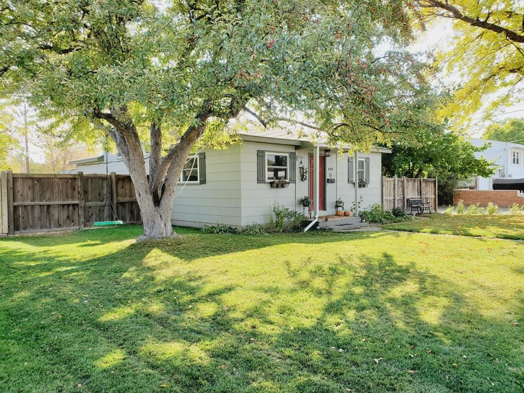 Photo of 509 Cary St, Powell, WY 82435 (MLS # 10017425)