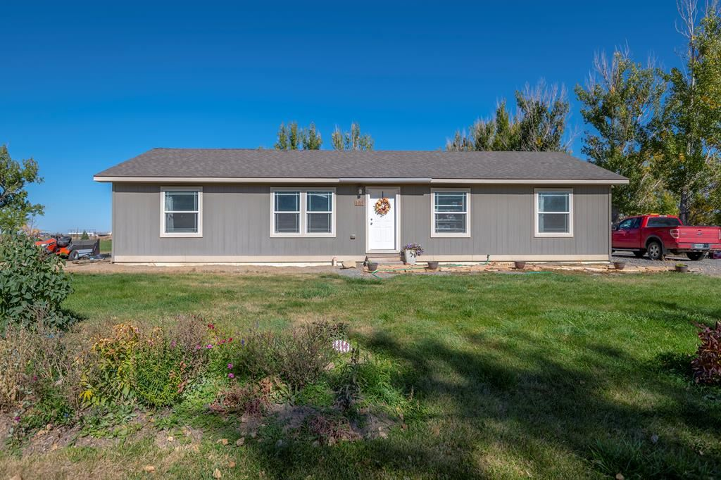 Photo of 105 West 2nd St N, Cowley, WY 82420 (MLS # 10017428)