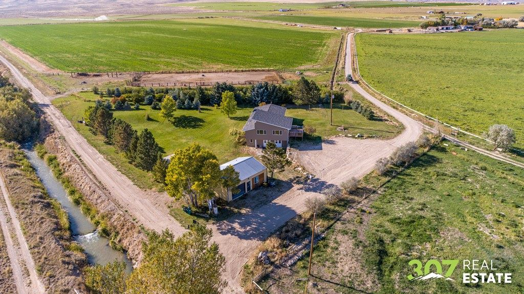 Photo of 909 Road 22 1/2, Powell, WY 82435 (MLS # 10017429)