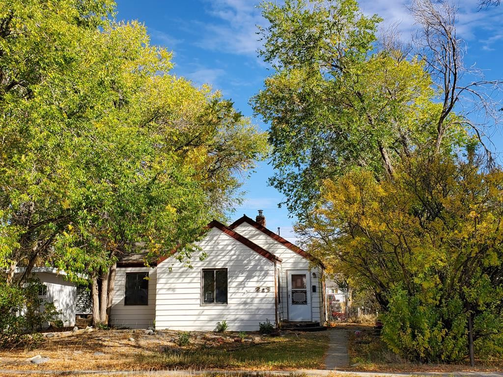 Photo of 213 N Division St, Powell, WY 82435 (MLS # 10017467)