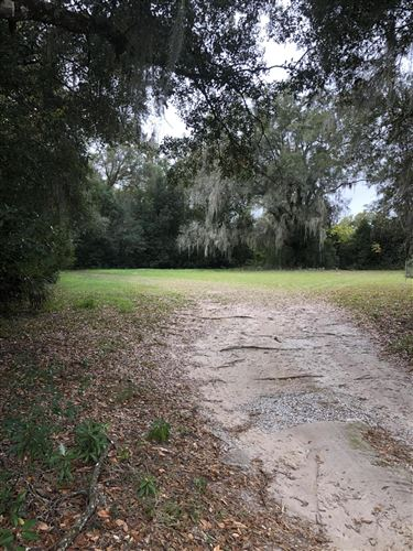 Photo of 1042 SE 50th Terrace, Ocala, FL 34471 (MLS # 569152)