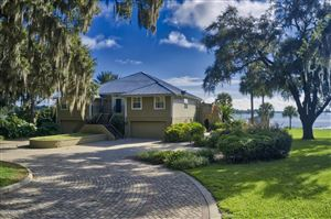 Photo of 10395 SE Sunset Harbor Road, Summerfield, FL 34491 (MLS # 561873)