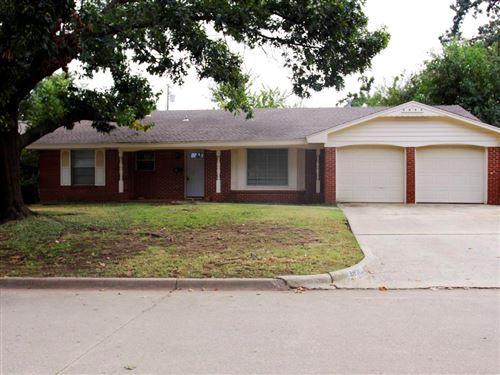 Photo of 7720 NW 25th Terrace, Bethany, OK 73008 (MLS # 981008)