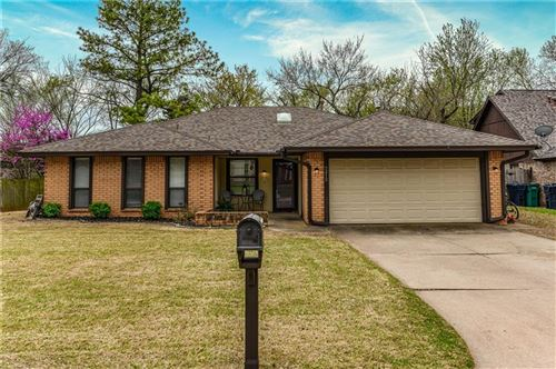 Photo of 2312 Shady Tree Lane, Edmond, OK 73013 (MLS # 905009)