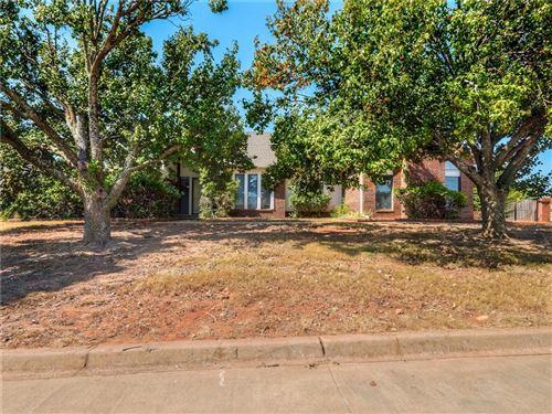 Photo of 13617 Inverness Avenue, Oklahoma City, OK 73120 (MLS # 981027)
