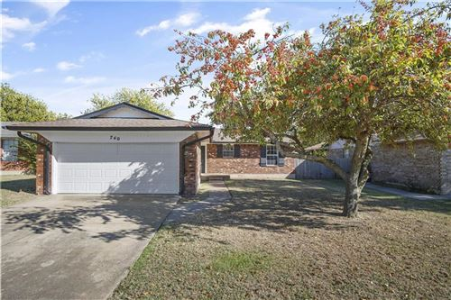 Photo of 740 Camelot Drive, Moore, OK 73160 (MLS # 898087)
