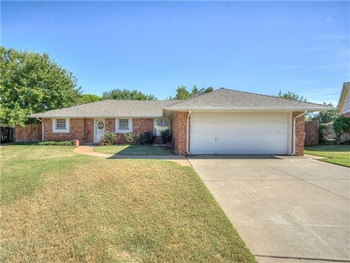 Photo of 7140 Woodridge Avenue, Oklahoma City, OK 73132 (MLS # 977087)