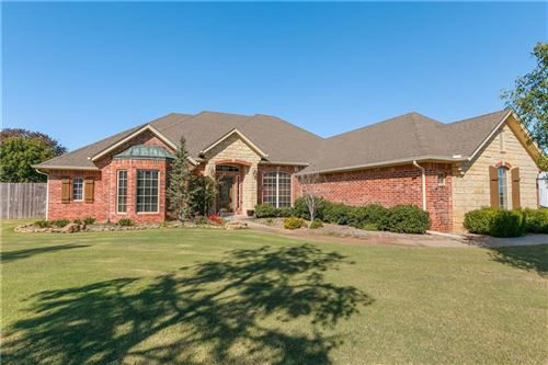 Photo of 849 Silver Tree Drive, Choctaw, OK 73020 (MLS # 886152)
