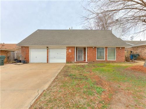 Photo of 433 W Silver Meadow Drive, Midwest City, OK 73110 (MLS # 897273)