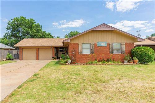 Photo of 2727 Ridgeview Drive, Oklahoma City, OK 73120 (MLS # 918289)