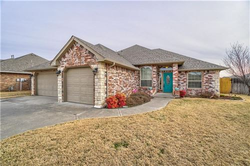 Photo of 505 Ridge Lake Boulevard, Norman, OK 73071 (MLS # 897373)