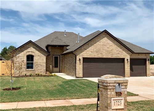 Photo of 1723 W TROUT Way, Mustang, OK 73064 (MLS # 891397)