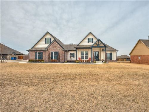 Photo of 633 Silver Tree Drive, Choctaw, OK 73020 (MLS # 897421)