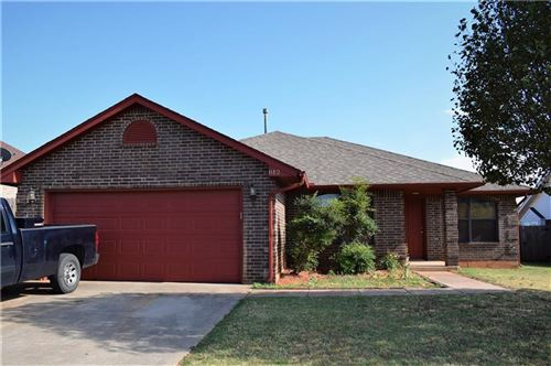 Photo of 812 W Dowden Drive, Mustang, OK 73064 (MLS # 917476)