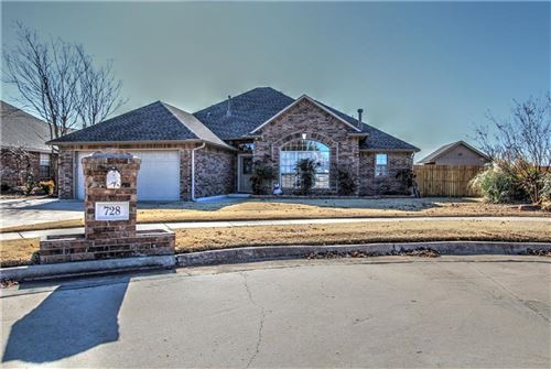Photo of 728 W Carson Drive, Mustang, OK 73064 (MLS # 891540)