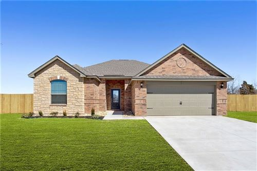Photo of 300 E Georgia Terrace, Mustang, OK 73064 (MLS # 892590)
